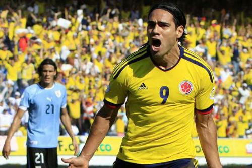 Radamel-Falcao-aniversario-Colombia-Letrasdeporte[1]